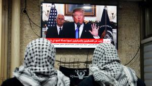 Palästinenser verfolgen Trumps Rede zur Anerkennung Jerusalems als künftige Hauptstadt Israels; Foto: Getty Images