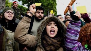 Proteste in Tunis gegen soziale Not und Preisteuerungen; Foto: picture-alliance