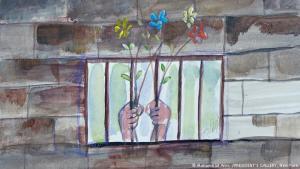 """""""Hands Holding Flowers through Bars"""" (2016): Der Gefangene Muhammad Ansi stammt aus dem Jemen. 15 Jahre lang war er im Gefangenenlager in dem US-Stützpunkt an der Guantánamo-Bucht in Kuba interniert - und als Häftling vielen Torturen ausgesetzt. Das Malen und Zeichnen halfen ihm, das Leben in seiner kargen Zelle zu ertragen. Oft träumte er sich mit Landschafts- und Blumenbildern aus dem Gefängnis heraus..."""