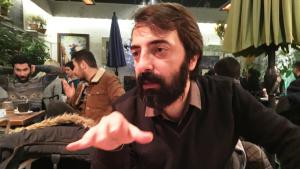 Der kurdische Autor und Übersetzer Kawa Nemir; Foto: Murat Bayram