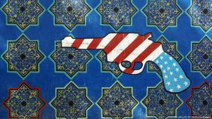 Antiamerikanische Malerei an der besetzten US-Botschaft in Teheran; Foto: GFDL/CC-BY-SA/Phillip Maiwald