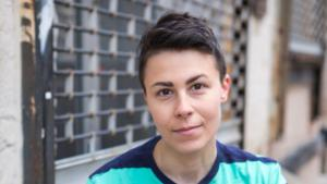 Die syrisch-amerikanische Autorin Jennifer Zeynab Joukhadar (Foto: Neha Gautam)