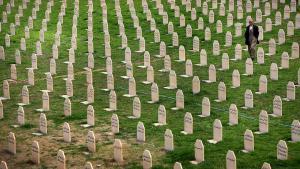 Friedhof für die Opfer des Massakers von Halabdscha; Foto: AFP/Safin Hamed