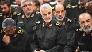 Vertreter der iranischen Revolutionsgarden gemeinsam mit dem Kommandeur der Quds-Brigade, Qassem Soleimani, in Teheran; Foto: picture-alliance/AA
