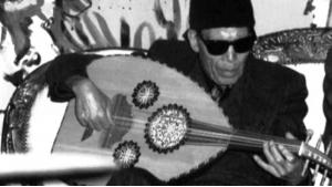 Der ägyptische Oud-Spieler und Sänger Sheikh Imam; Quelle: youtube