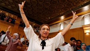 Souad Abderrahim, Kandiatin der islamischen Ennahda, nach ihrem Wahlsieg in Tunis am 3. Juli 2018; Foto: REUTERS/Zoubeir Souissi