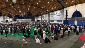 """""""Glaube für alle, Hass für keinen"""": Treffen der """"Ahmadiyya Muslim Jamaat"""" in Karlsruhe; Foto: Nermin Ismail/DW"""
