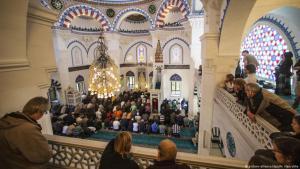 Tag der offenen Moschee in Berlin am 3.10.2012 in der Sehitlik-Moschee in Berlin; Foto: picture-alliance/dpa