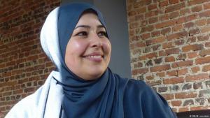 Die muslimische Sozialarbeiterin Saloua Mohammed; Foto: DW/Matthias von Hein