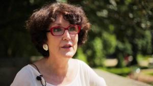 Die französische Schriftstellerin Cécile Oumhani; Quelle: youtube