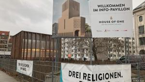 "Info-Pavillon des ""House of One"" in Berlin; Foto. DW/Christoph Strack"