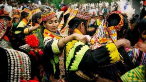 Stamm der Kalash aus dem Chitral-Distrikt in Pakistan; Foto: picture-alliance/dpa