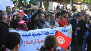 Protestmarsch am 17.1 in der Avenue Burguiba nach der zentralen Kundgebung vor dem nahe gelegenen UGTT-Sitz in Tunis; Foto: Sofian Philip Naceur