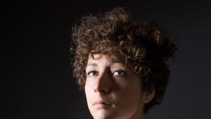 Die Dramatikerin und Romanautorin Sasha-Marianna Salzmann; Foto: Esra Rotthoff