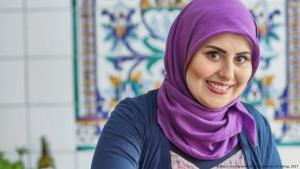 Die syrische Fernsehköchin und Kochbuchautorin Malakeh Jazmati aus Berlin; Foto: ZS Verlag 2017