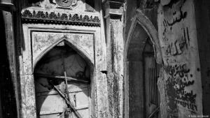 Verbarrikadiert gegen Plünderer: das Eingangstor zur Synagoge in Mossul; Foto: Eddy van Wessel