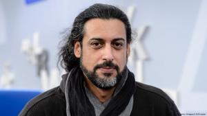 Der deutsch-irakische Autor Abbas Khider; Foto: Jens Schlueter/Getty Images
