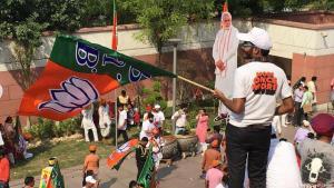 BJP-Anhänger in Neu Delhi feiern Modis Wahlsieg; Foto: DW