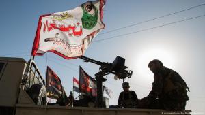 """Einheiten der vom Iran unterstützten schiitischen Miliz """"Haschd al-Schaabi"""" in Mossul, Irak; Foto: picture-alliance"""
