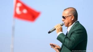 Der türkische Präsident Recep Tayyip Erdoğan während einer Rede; Foto: picture-alliance/AA/A. Coskun