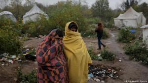 Wenn du nur Kälte spürst: Ende Oktober gab es im Flüchtlingslager Vucjak einen Vorgeschmack auf die kalte Jahreszeit. Die Temperaturen lagen in Bosnien bereits deutlich unter zehn Grad Celsius. Die meisten Migranten sind für Kälte nicht ausgestattet und daher auf gespendete Kleidung und Decken angewiesen. Manche haben nicht einmal feste Schuhe.