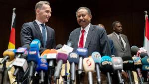 Der deutsche Außenminister Heiko Maas und Sudans Premier Abdalla Hamdok bei einer Pressekonferenz in Khartum am 03.09.2019; Foto: picture-alliance/dpa/K. Nietfeld
