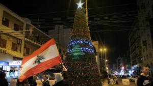 Weihnachtsbaum auf dem Hauptplatz Sahat an-Nour in der nördlich gelegenen libanesischen Stadt Tripoli; Foto: Hanna Resch