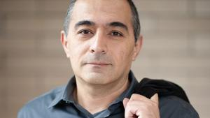 Der Politikwissenschaftler Nader Hashemi; Foto: Josef Korbel School of International Studies