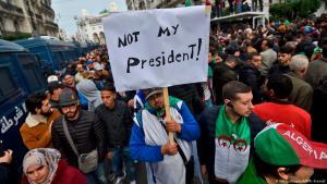 Proteste am 13.12.2019 gegen die Wahl Abdelmajid Tebboune zum neuen algerischen Präsidenten; Foto: AFP/Getty Images