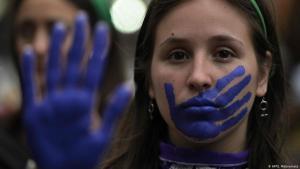 Demo am Frauentag gegen Gewalt an Frauen; Foto: AFP/J. Mabromata
