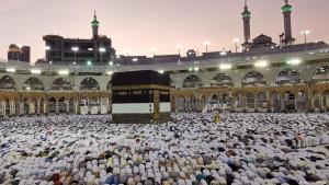 Hadsch im Jahr 2019: Gläubige an der Kaaba in der Heiligen Moschee in Mekka; Foto: Reuters/W.Ali