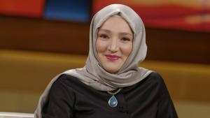 Die Autorin und Aktivistin Kübra Gümüşay; Foto: Imago