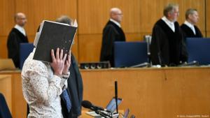 Mutmaßliches irakisches IS-Mitglied Taha A.-J. Getty vor Gericht; Foto: Images/AFP/A. Dedert