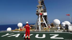 Türkisches Bohrschiff Yavuz im östlichen Mittelmeer vor Zypern; Foto: Reuters/M.Sezer