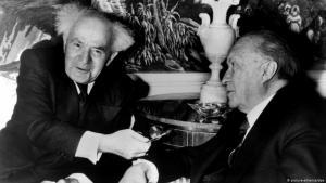 Der ehemalige Bundeskanzler Konrad Adenauer (rechts) und der israelische Ministerpräsident David Ben-Gurion am 14. März 1960 in New York; Foto: dpa/picture-alliance