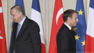 Politisch tief gespalten: Frankreichs Präsident Macron (r.) und der türkische Präsident Erdogan bei einem Staatstreffen, Archivbild aus dem Jahr 2018; Foto: picture-alliance/AP/L.Marin