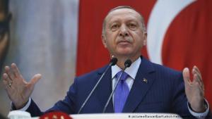 Der türkische Präsident Erdoğan während einer Rede; Foto: picture-alliance/dpa/Turkish Presidential Press Office