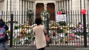 Trauer nach Anschlag, Basilika Notre Dame, Nizza; Foto: DW/Marina Strauß