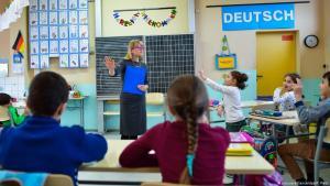 Deutschland Flüchtlingskinder in Grundschule in Frankfurt an der Oder. (Foto: Picture Alliance/ dpa / P Pleul