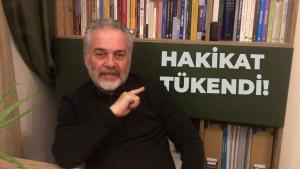 """Professor Mustafa Ozturk und """"Die Wahrheit ist erschöpft"""" auf Türkisch. (Screenshot: YouTube)"""