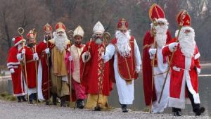 Sankt Nikolaus Darsteller (picture-alliance/dpa/M. Schrader)