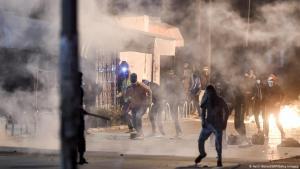 Proteste in Tunesien Mitte Januar 2021. Foto: Getty Images/AFP/Fethi Belaid