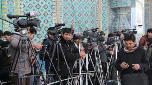 Afghanische Journalisten am Rande der alljährlichen Nowruz-Feier vor der Blauen Moschee in Masar-i Scharif. (Foto: Marian Brehmer)
