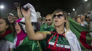 Algerien: Proteste der Jugend gegen das verkrustete System. (Foto: picture.alliance / abaca L ammi)