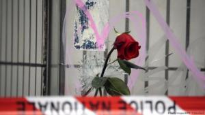Frankreich Cafe A La Bonne Biere Trauer nach den Anschlägen von Paris (Getty Images/AFP/K. Tribouillard)