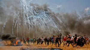 Israelisches Tränengas gegen Palästinenser-Proteste zur Eröffnung der US-Botschaft in Jerusalem 2018 (Getty Images /afp/ A.Abed)