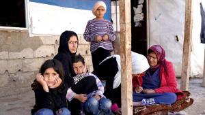 Khadija al-Said (Zweite von links) im Hasan-Dabli-Lager. Foto: Andrea Backhaus