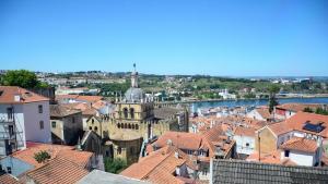 Blick auf die Stadt Coimbra mit der Alten Kathedrale (Foto: Marta Vidal)