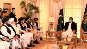 Pakistans Premierminister Imran Khan trifft sich mit Taliban-Führern. (Foto:Pakistan Prime minister office/AFP)