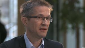 Probleme werde die neue Migrationspolitik der EU-Kommission nicht lösen, sagt der Migrationsexperte Gerald Knaus.